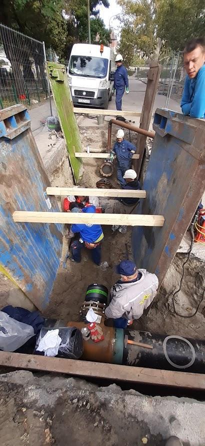 Vezeték élőre kötési munkálatai NKM Földgázhálózati Kft. munkatársai által